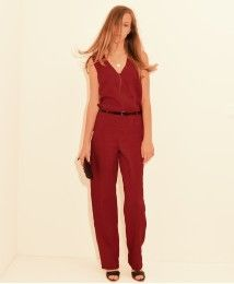 SANTORINI relaxed feminine style jumpsuit is cut from soft cupro and designed with a wrap front and has a dramatic cape-effect back. Front fastened with a hidden button. #stylatifashion #fashion #jumpsuits #fashion #trends #womenclothing #products #στυλάτη #στυλάτηγυναίκα #дизайнерскиекомбинезоны #стиль #дизайнерскаяодежда #женскаяодежда #тенденции