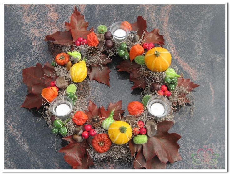autumn wreathThanksgiving November, Festivals Fall, Met Pompoentjes, Fall Halloween Thanksgiving, Crafty Mccraft, Fall Wreaths, Herfstkrans Met, Autumn Wreaths, Fall Start