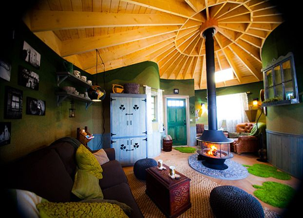 Incroyable Treehouse Masters, Inside Irish Cottage, Huntington Beach, CA