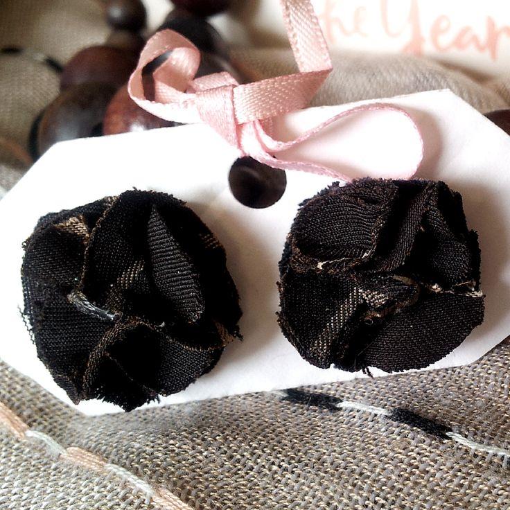 BissBiss   #bissbiss #shopbissbiss #fabricflowers #flowers #handmade #handmadewithlove #ooak #accessories #ecofashion #sustainable   #brown #pinstripe #earrings #jewelry