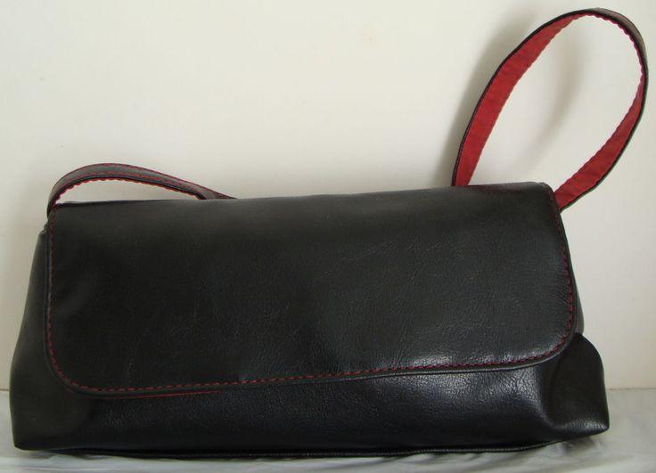 VICTORIA`S SECRET Small Black Handbag Red Inside Snap Close 1 Strap #VICTORIASSECRETSmallBlackHandbag #BlackHandbagRedInsideSnapClose1Strap