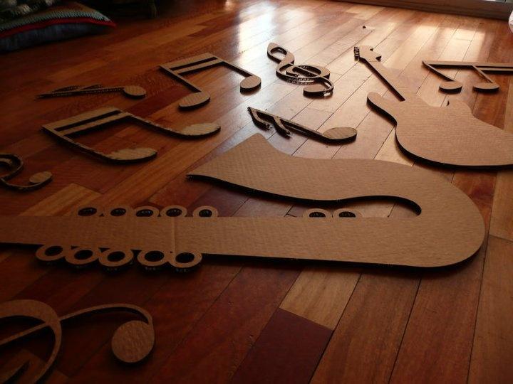 Decoración de vidrieras, letras corporeas, y diseño. :)    Decoration of shop windows, letters, and design. :)