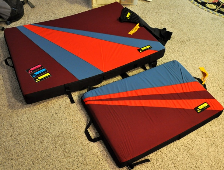 Organic Bouldering crash pads. I want one :)
