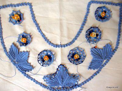 UNCINETTO IRLANDESE (Irish Crochet). Piecing together a collar.