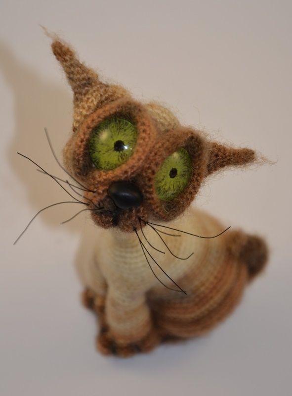 Crochet amigurumi Cat Siam LittleOwlsHut