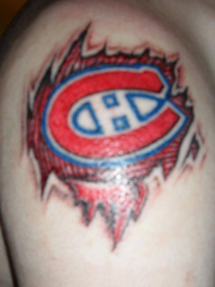 Garry Pilon-Roy s'est fait tatouer en bleu-blanc-rouge pour ses 18 ans. / Garry Pilon-Roy got this #Habs tattoo for his 18th birthday. #GoHabsGo