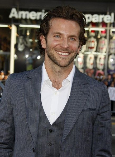 Bradley cooper in 39 the hangover 39 los angeles premiere for Famous people los angeles