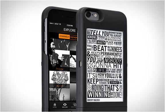 Popslate é um novo acessório que você pode comprar se você é um orgulhoso proprietário de um iPhone 6, o qual oferece uma tela extra na parte de trás do dispositivo, uma capa de proteção e uma bateria extra, sendo assim, uma gran