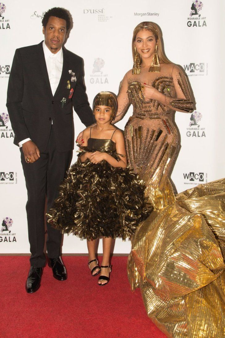 Beyonce Just Twinned With Blue Ivy In Showstopping Gold Gowns Blue Ivy Blue Ivy Carter Beyonce Queen