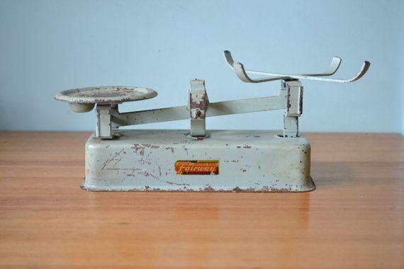 Mid  century Kitchen scales metal green vintage Fairway