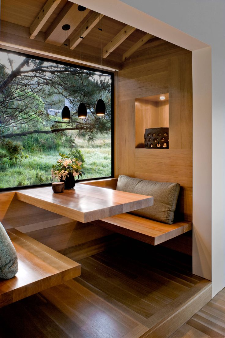 Japanese decor living room - Warm Cedar Breakfast Nook Inspired By Japanese Simplicity W Suspended Table Beautiful Norcal Scenery