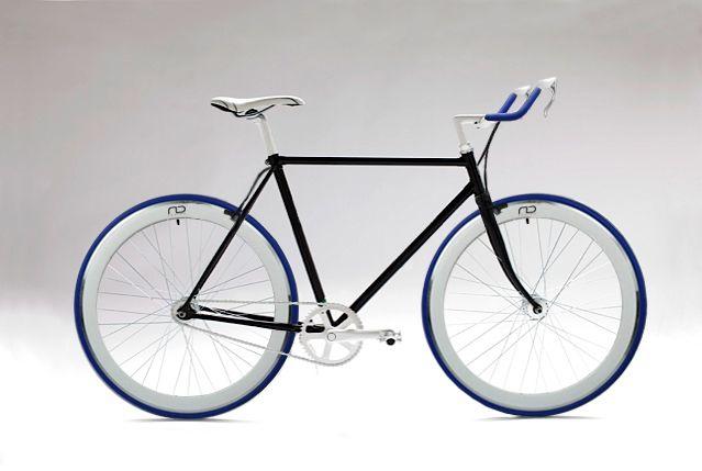 Single speed fixed bike by Antonio Di Chiano design studio