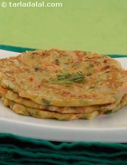 Thalipeeth, Quick Maharashtrian Thalipeeth recipe   Quick Thalipeeth Recipe   by Tarla Dalal   Tarladalal.com   #1716