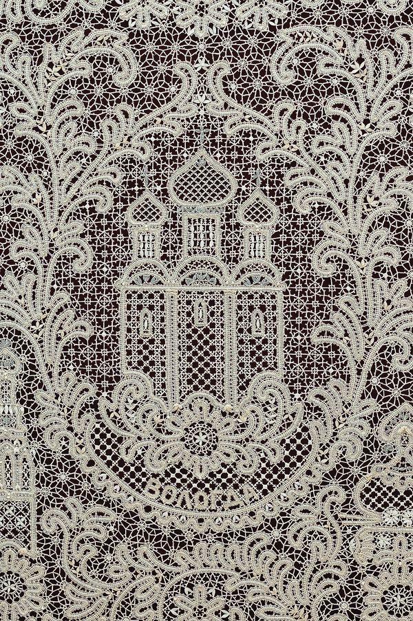 Lace from Vologda town. http://www.showbell.ru/blog/archives/7325