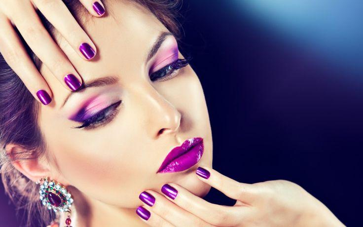 Wallpaper Violet Nails (*fialové nechty)