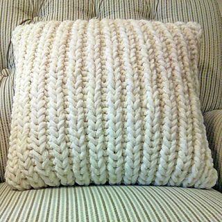 Free knitting pattern:  Fisherman's Rib Accent Pillow