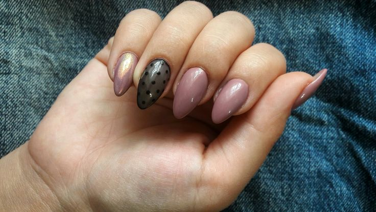 #nails #nude #black #dots #oval