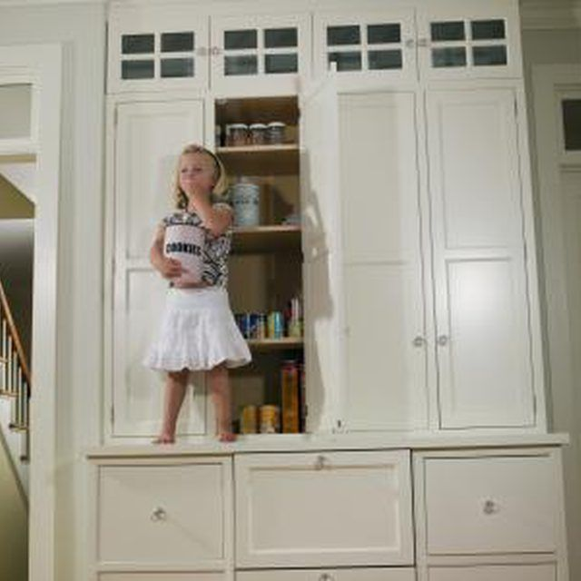White kitchen cabinets are versatile pieces that fit with many decor styles.