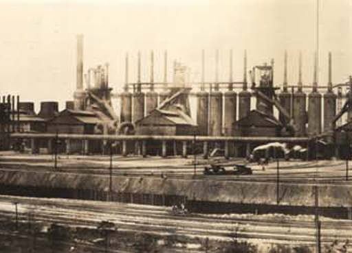 Blast furnaces of the Tennessee Coal, Iron & Railroad Company in Ensley, Alabama. :: Alabama Photographs and Pictures Collection