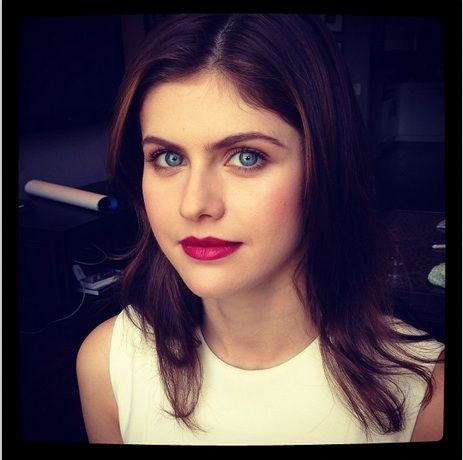 Alexa Daddario Today For Chelsea Lately Makeup By Lottie Behind The Scenes Pinterest