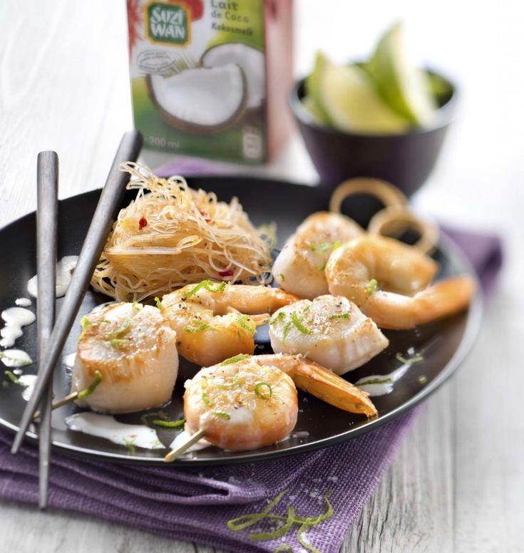 Brochettes de gambas et Saint-Jacques marinées au lait de coco et citron vert - les meilleures recettes de cuisine d'Ôdélices