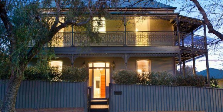 Majestic renovated mansion, studio, superbly renovated
