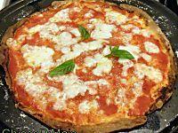 Impasto per focaccia e pizza senza glutine soffice. Ricetta base pizza senza glutine in teglia alta e soffice con tutorial pieghe (folding) e impasto a mano