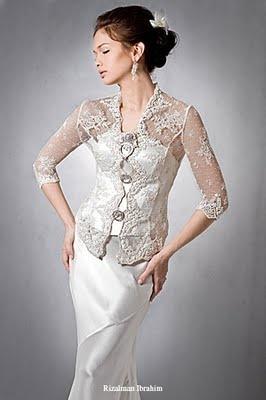 Simplicity of a lace kebaya