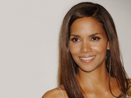 Halle Berry's ex Gabriel Aubry arrested after a brawl with Olivier Martinez    These are not rumors. Gabriel Aubry and Halle Berry's fiancé Olivier Martinez have had an altercation on Thanksgiving morning at the actress' California home.