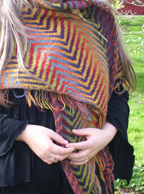 kauni shawl-- I've never seen such chic chevrons