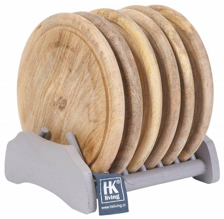 Hebben! Dit fraaie rek met 6 houten borden, helemaal HKliving.... En hartstikke leuk om gewoon op het aanrecht te laten staan. Want dit mag gezien worden.