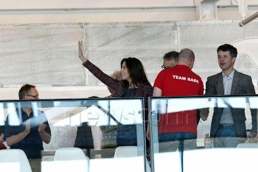Hier, le couple héritier assistait de manière non officielle aux qualificatifs de l'équipe de natation danoise qui représentera le pays lors des Jeux Olympiques de Londres cet été !