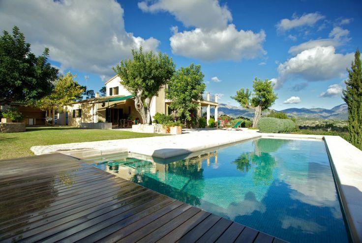 Im Inneren des sonnigen Mallorcas, finden wir einen kleinen Hügel mit Blick auf das hübsche Haus Talzina