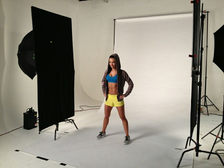 Beachbody Squishy Ball Exercises : Autumn Calabrese on set for the 21 Day Fix. Fitness Pinterest See best ideas about Beachbody