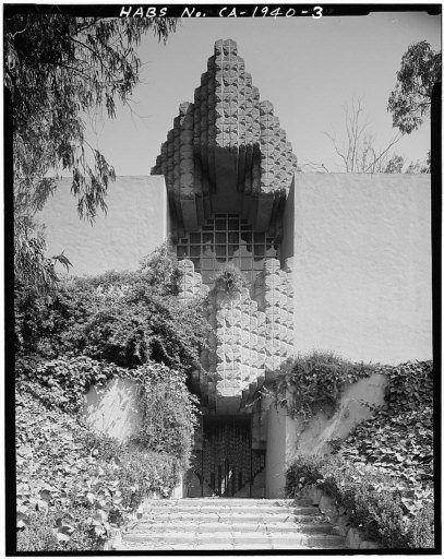 Lloyd Wright's (Frank Lloyd Wright, Jr.) Snowden House at 5121 Franklin Ave. in Los Feliz. It gained notoriety as the home of Dr. George Hodel, a suspect in the Black Dahlia murder.