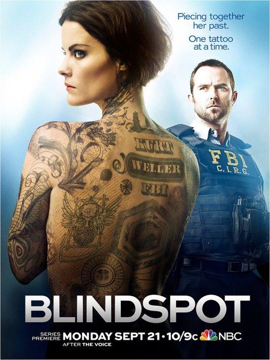 Blindspot - Una hermosa mujer, sin recuerdos de su pasado, es encontrada desnuda en Times Square con su cuerpo totalmente cubierto de intrincados tatuajes. Su descubrimiento pone en marcha un vasto y complejo misterio que enciende de inmediato la atención