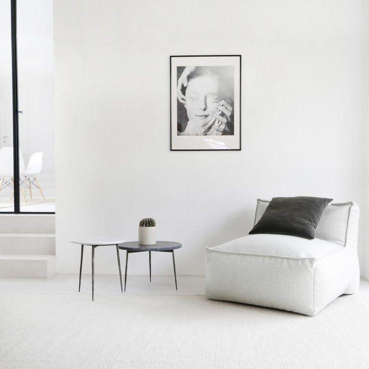 De Jones Stoffen zitzak met rugleuning gemaakt uit 100%katoen. Ideaal om bij te schuiven als er gasten zijn of als zitje voor de kinderen. Het lichte gewicht maakt het gemakkelijk om het te verplaatsen naar waar in huis je ook wil.