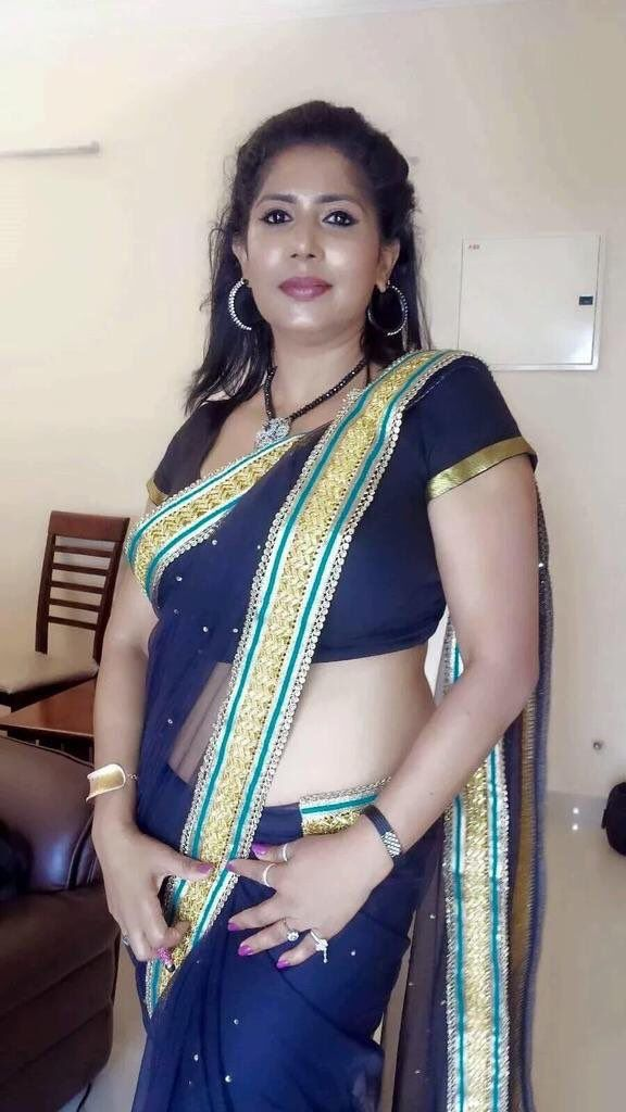 hot bengali girls in saree