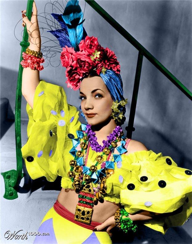 Carmen Miranda em Hollywood, 1945. Veja também: Veja mais: http://semioticas1.blogspot.com.br/2011/09/janelas-indiscretas.html
