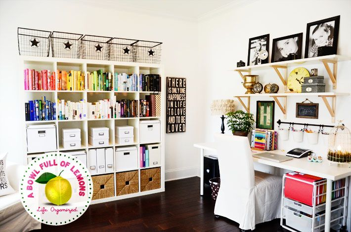 This is a well-organized home office! Check out the rest here: http://blog.homes.com/2013/10/organized-home-offices/