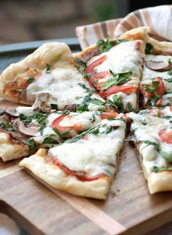 Here's how to grill your pizza.