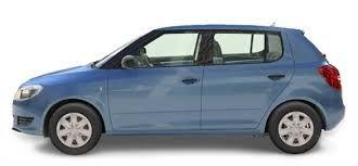 Na het telefoongesprek stapt Jeroen zijn auto in en gaat opzoek naar Liza.