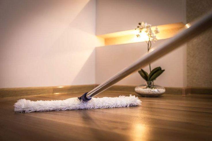 Deux méthodes pour entretenir et nettoyer les planchers (parquets) de bois pour qu'ils restent propres et beaux longtemps.
