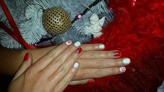Angels are among us. #christmas #nails #angel #red