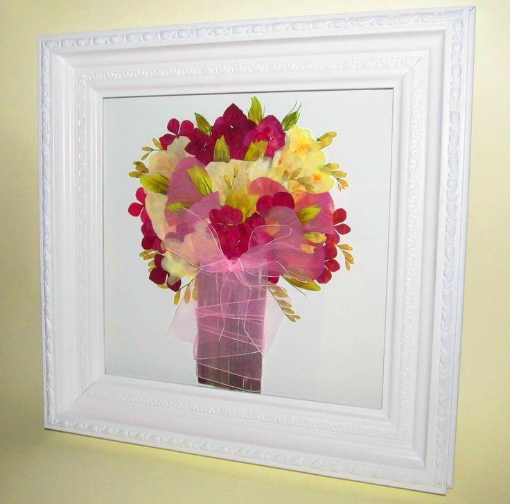 Prensado y enmarcado de ramo de flores silvestres en tonos rosados y enmarcado en cuadro con grecas