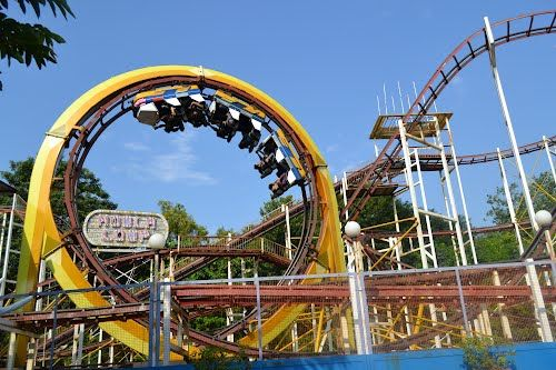 amusement parks are a great place essay But if you've ever wanted to visit those places,  first-person essays, features, interviews and q&as about life today  america's 13 best amusement parks that aren't six flags.