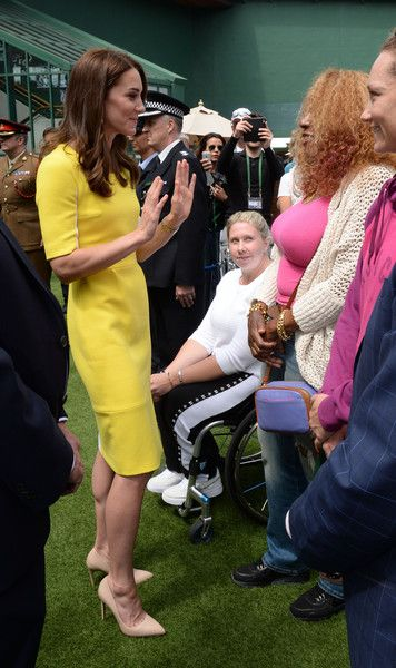Kate Middleton Photos - Catherine, Duchess of Cambridge meets Oracene Price, the mother of Venus and Serena Williams, during a visit to the Wimbledon Lawn Tennis Championships at the All England Lawn Tennis and Croquet Club on July 7, 2016 in London, England. - Day Ten: The Championships - Wimbledon 2016