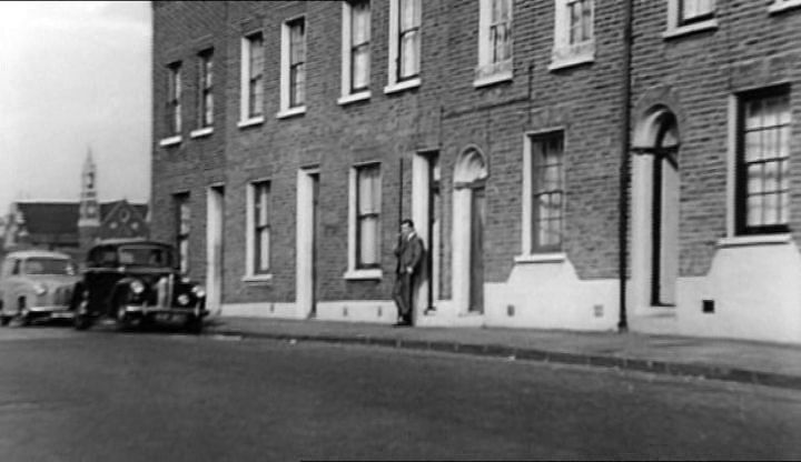 was the territory of the Kray twins, Ronnie and Reggie, who operated from their modest home at 178 Vallance Road (aka Fort Vallance) in Bethnal Green.