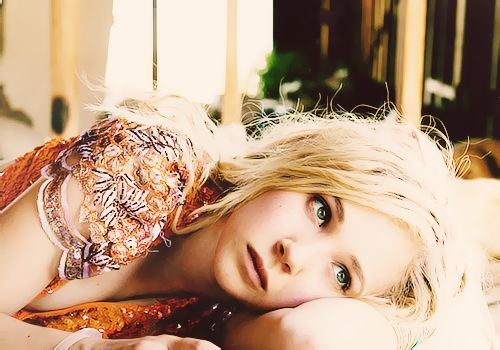 Juno Temple! My favorite actress! I loved her best in 'Dirty Girl.' Watch it; you shan't be disapointed!
