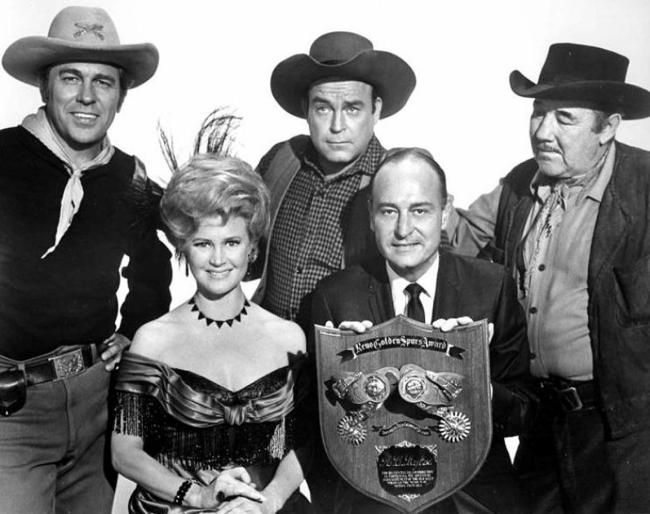 Producer A. C. Lyles with Howard Keel, Joan Caulfield, Scott Brady & Broderick Crawford.